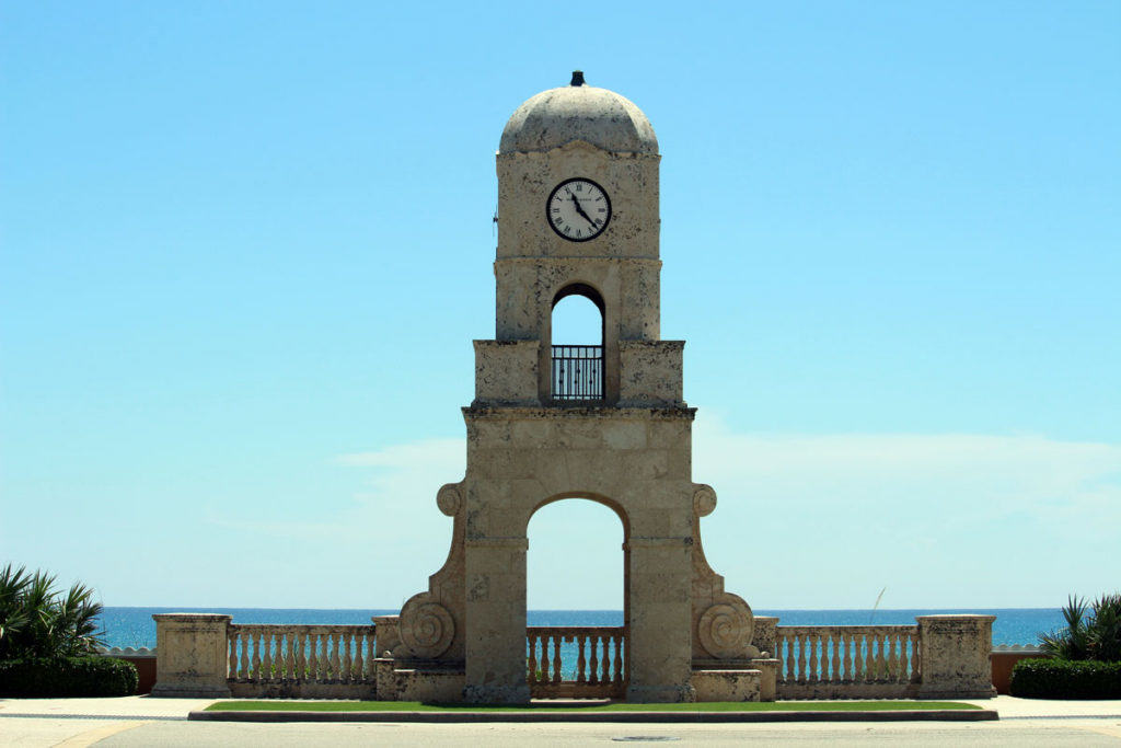 Clock-at-the-entrance-of-Worth-Avenue-in-Palm-Beach-Island1