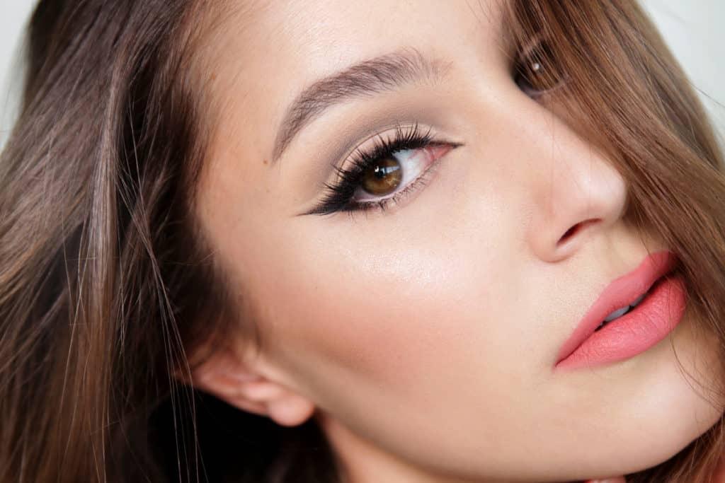 Cut Crease Makeup Technique