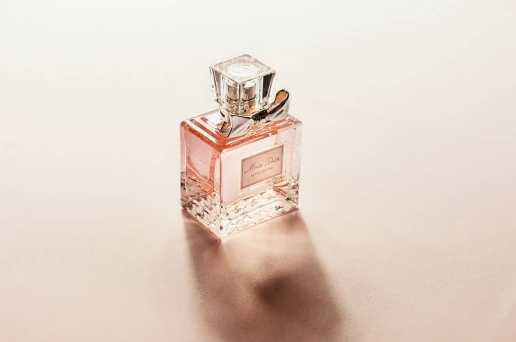 T tiny bottle of perfume