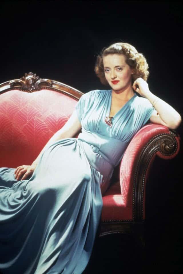 Bette Davis 1943