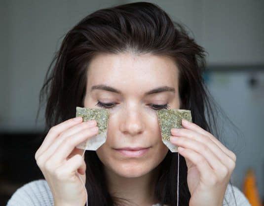 green tea puffiness