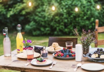 Your Guide to a Perfect Outdoor Cocktail Party