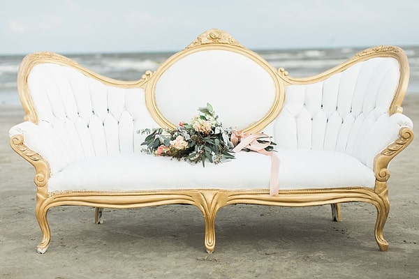 white-velvet-wedding-sofa