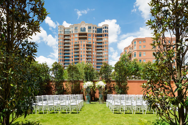 Mansion Lawn Ceremony