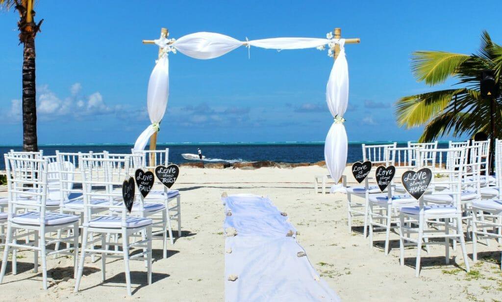 Outdoor Wedding - Beach Setup