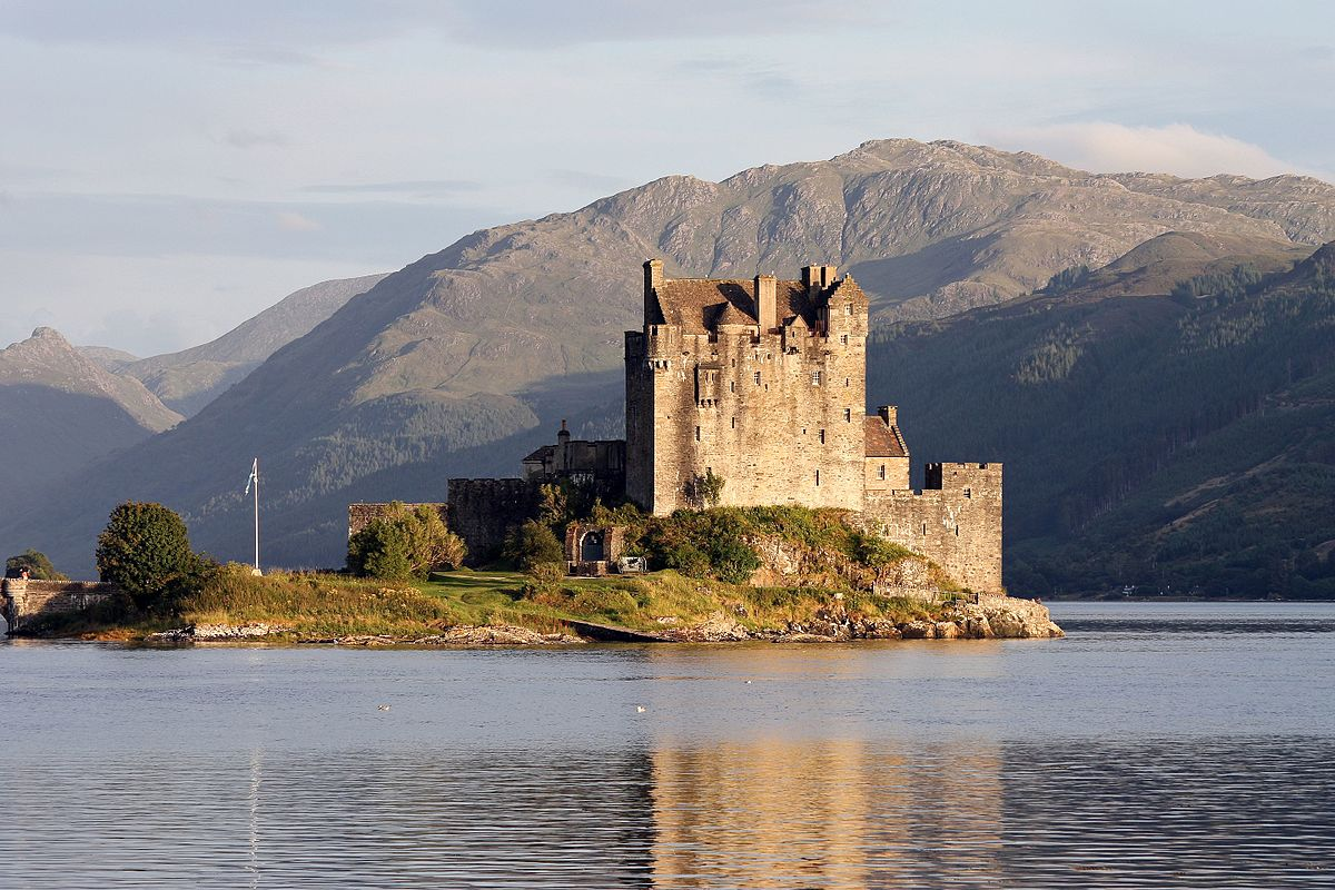 Eilean Donan Castle, Scotland Author Eusebius (Guillaume Piolle)