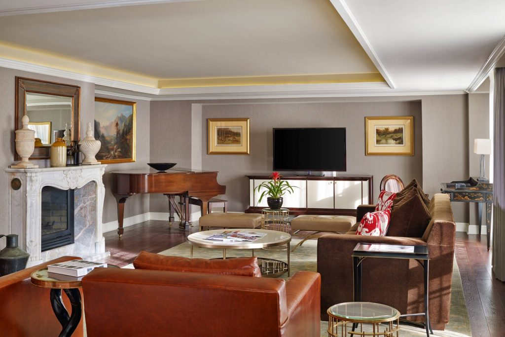 Silver Queen Suite - Living Room