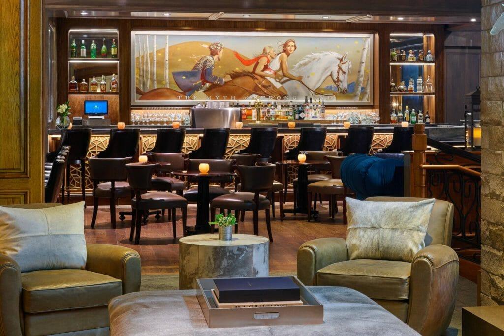 Mountain Social Bar and Lounge