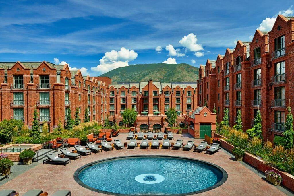 Features & Amenities - The St. Regis Aspen Pool