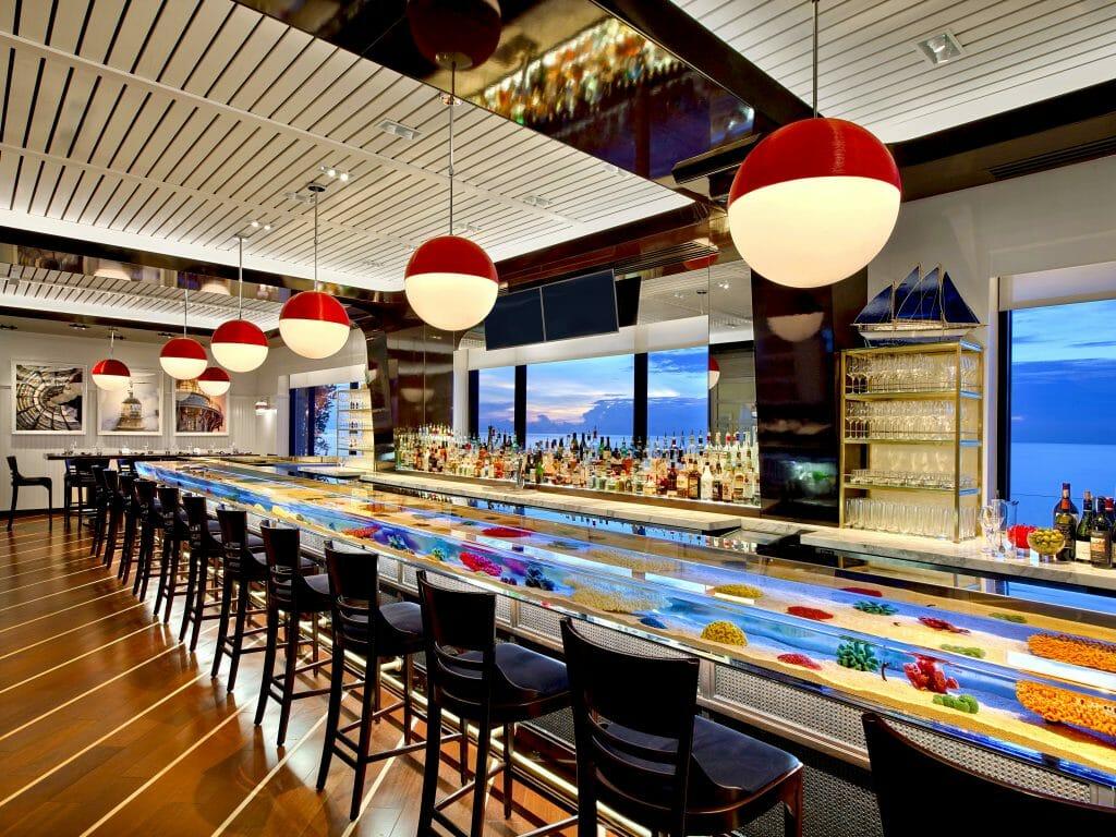 Seafood Bar - Aquarium Bar